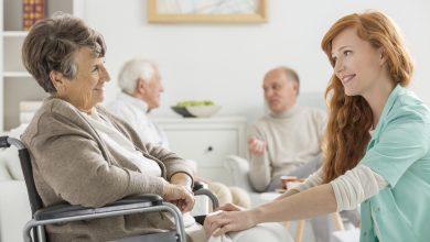 تصویر از چگونه من می توانم به عنوان یک فرد مراقبت کننده با دیگران ارتباط برقرار کنم؟