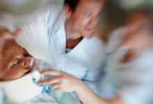 تصویر از اقدامات لازم در برخورد با فردی که علایم سکته قلبی دارد چیست؟